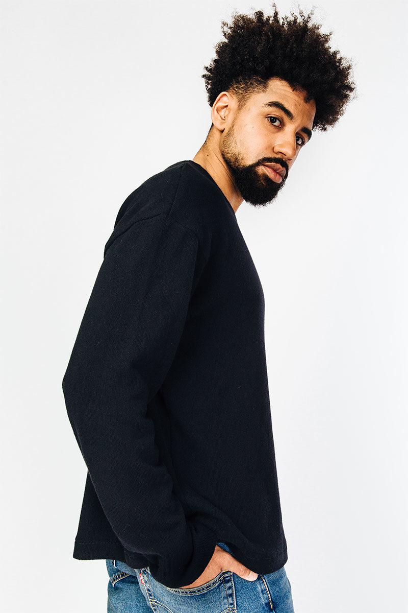 myrka-organic-cotton-sweathshirt-black